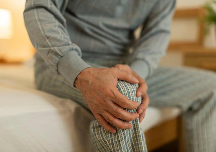 膝のつらそうな画像