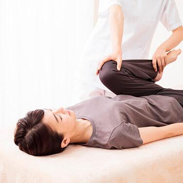 骨格矯正治療(AKA)の様子